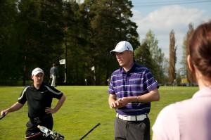 Swingmakers Pro opetamassa tulevia golfareita.
